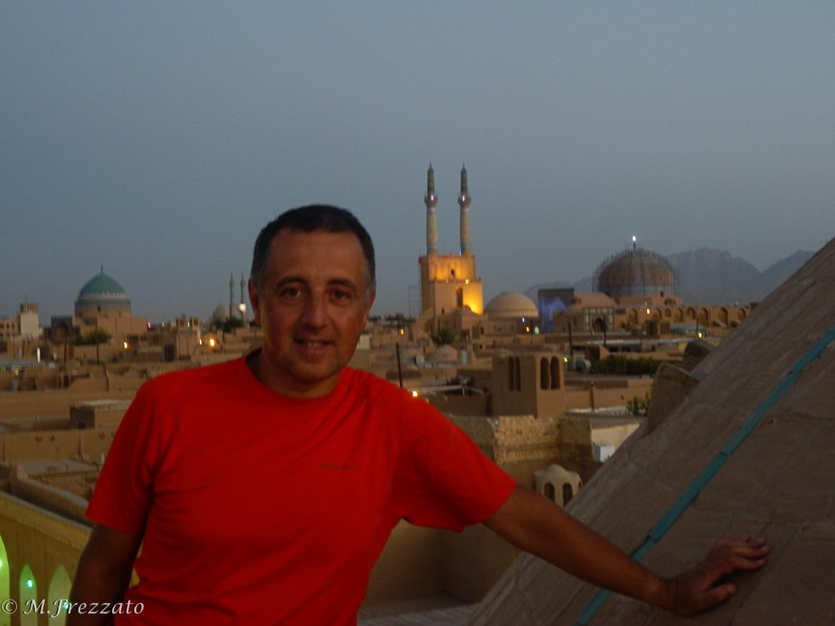 Yazt-sul-tetto-moschea