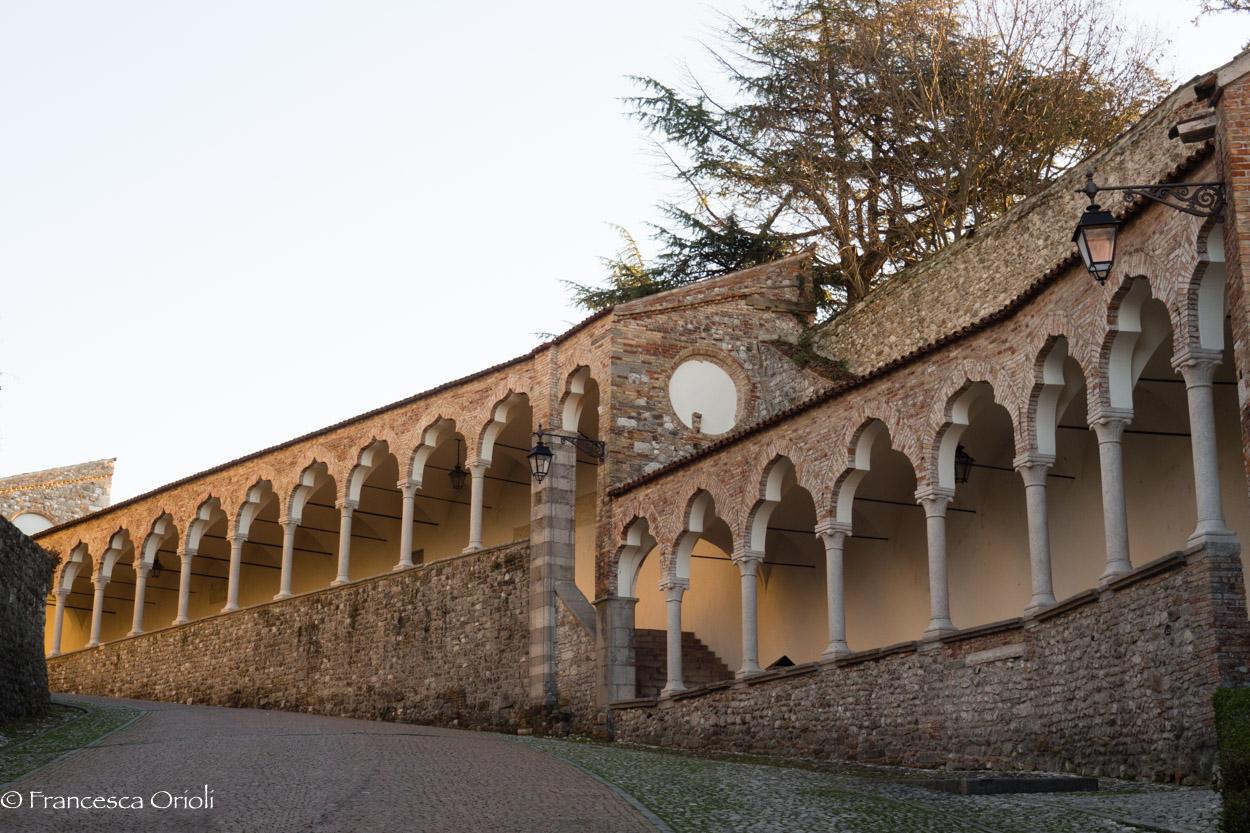 La salita al castello