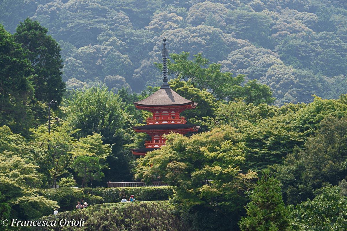 Kyoto pagoda  nel complesso di Kiyomizu-dera