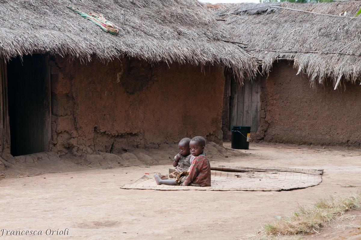 Bambini a Mapanda