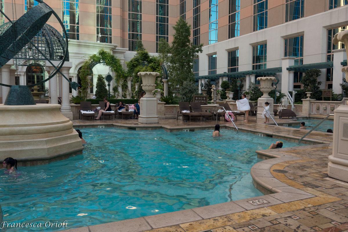 Una delle piscine per gli ospiti